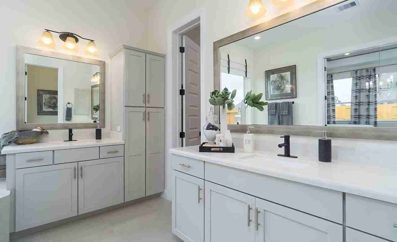 Princeton – Owner's Bathroom