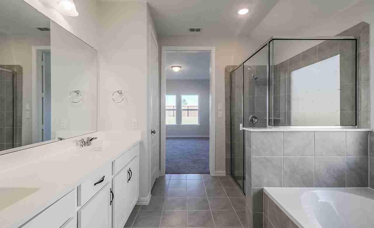 Bermuda - Master Bathroom