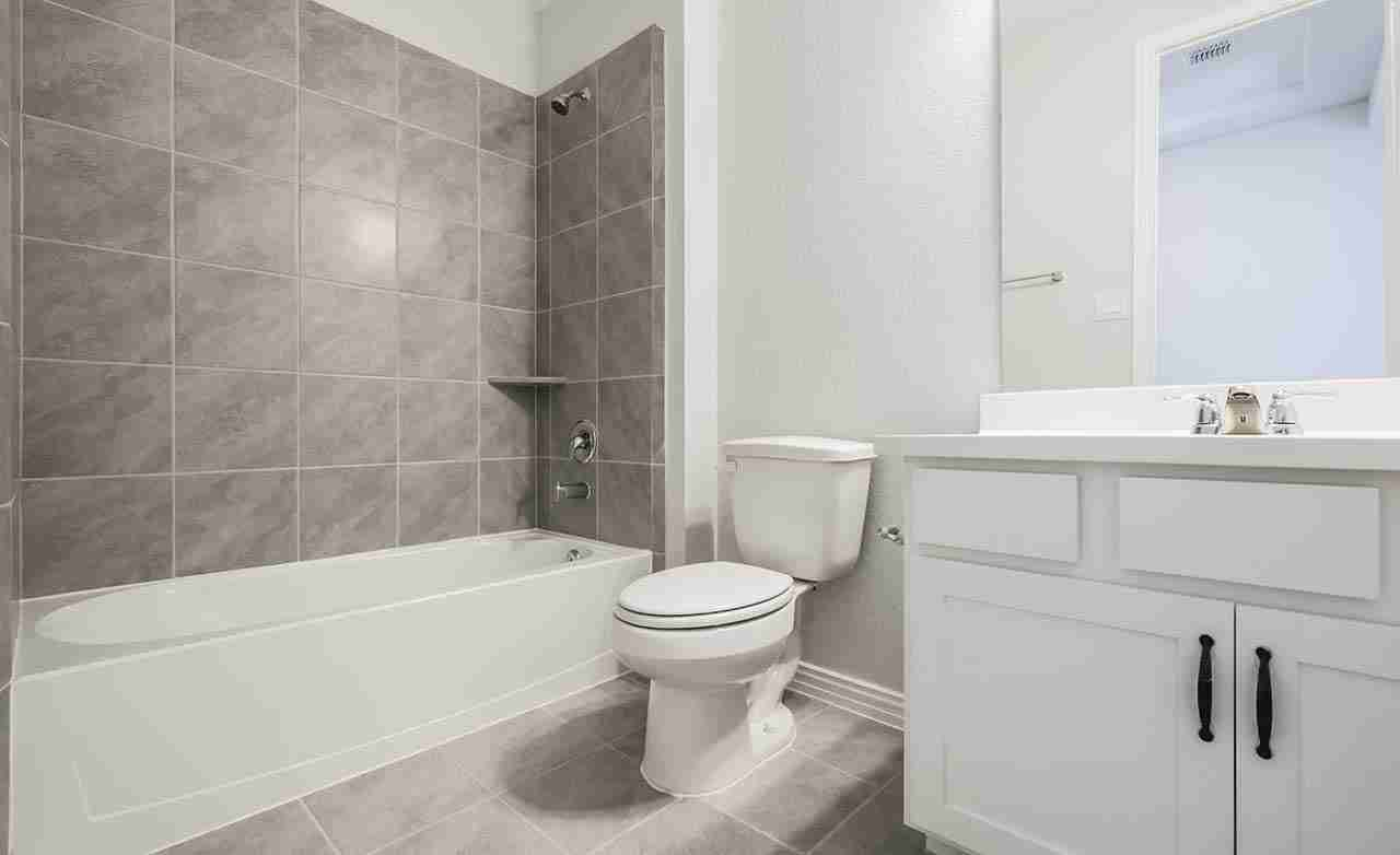 Bermuda - Secondary Bathroom