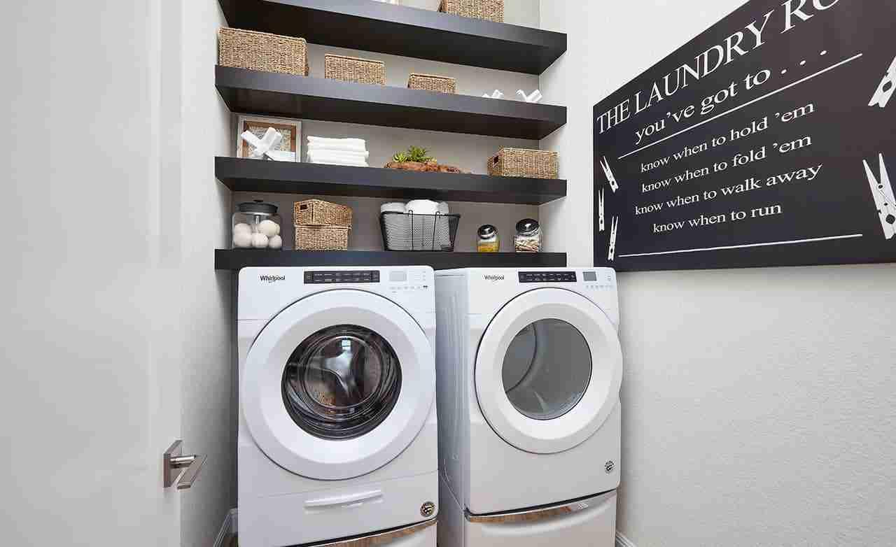 Oleander – Laundry Room