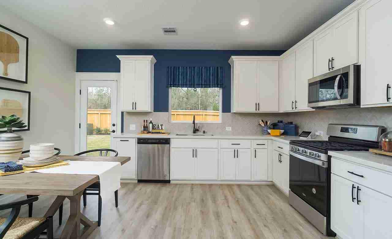Latitude – Kitchen