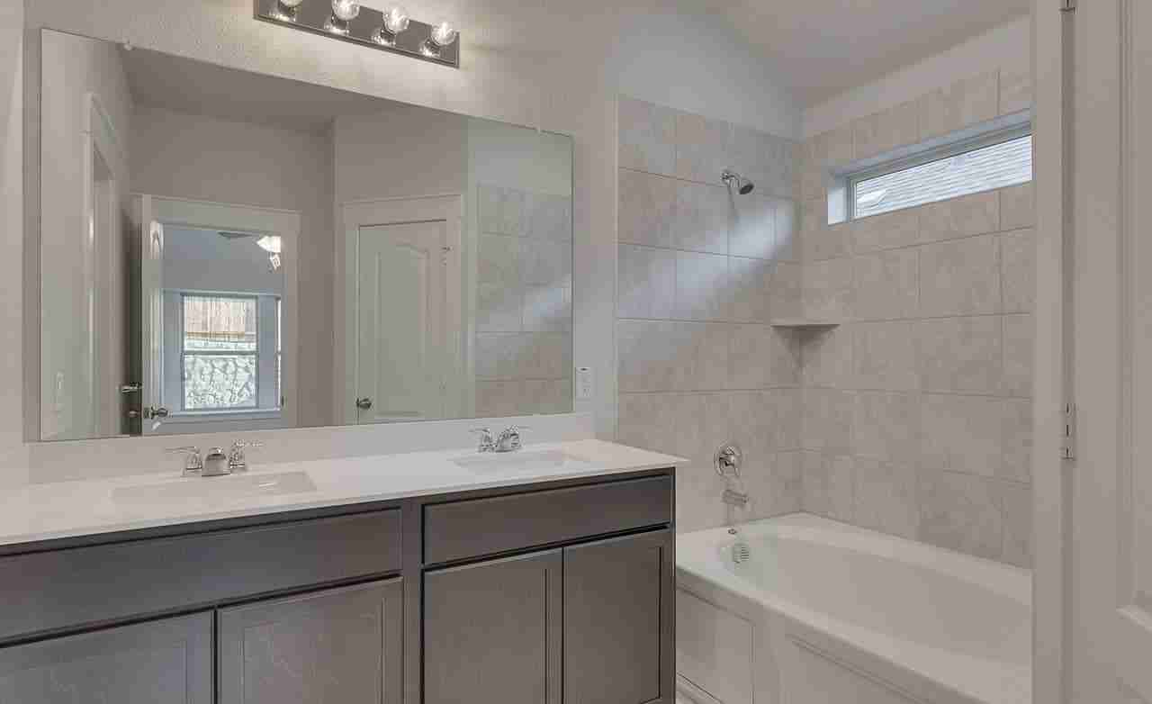 Horizon – Owner's Bathroom