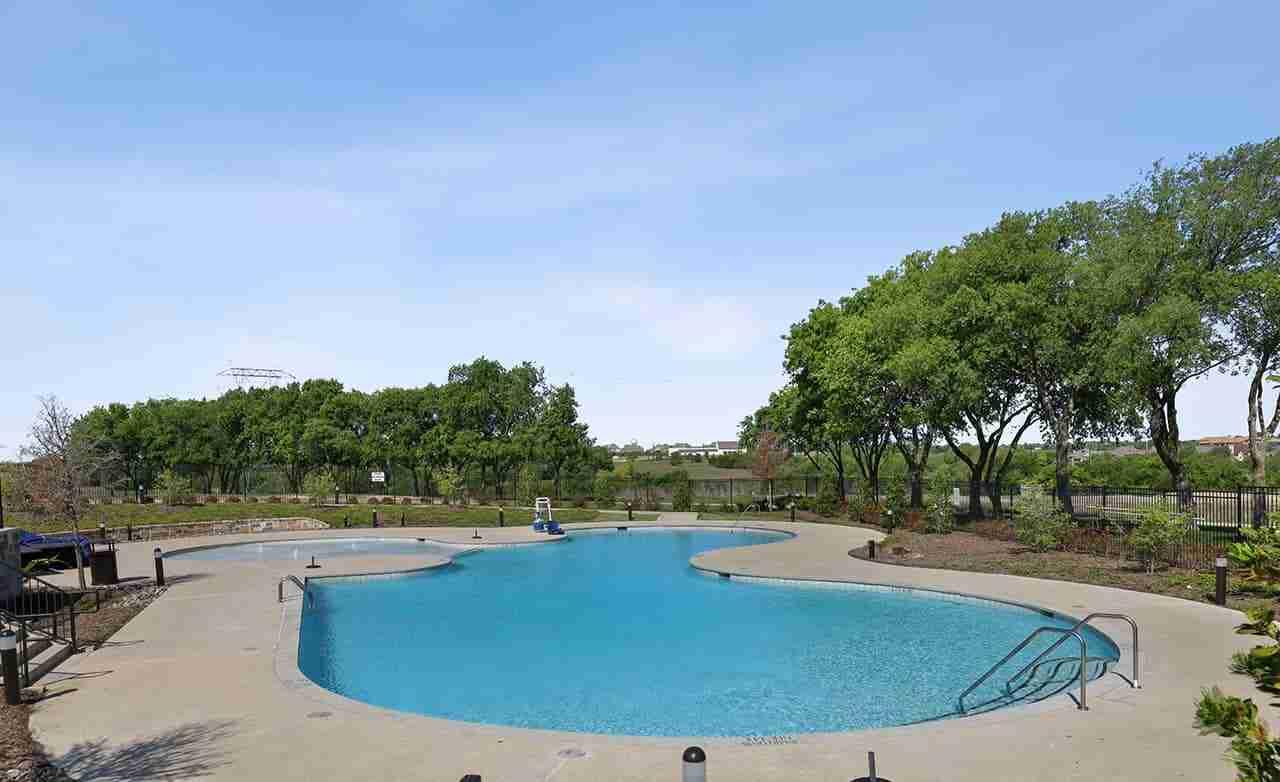 Lakewood at Brookhollow Community Pool