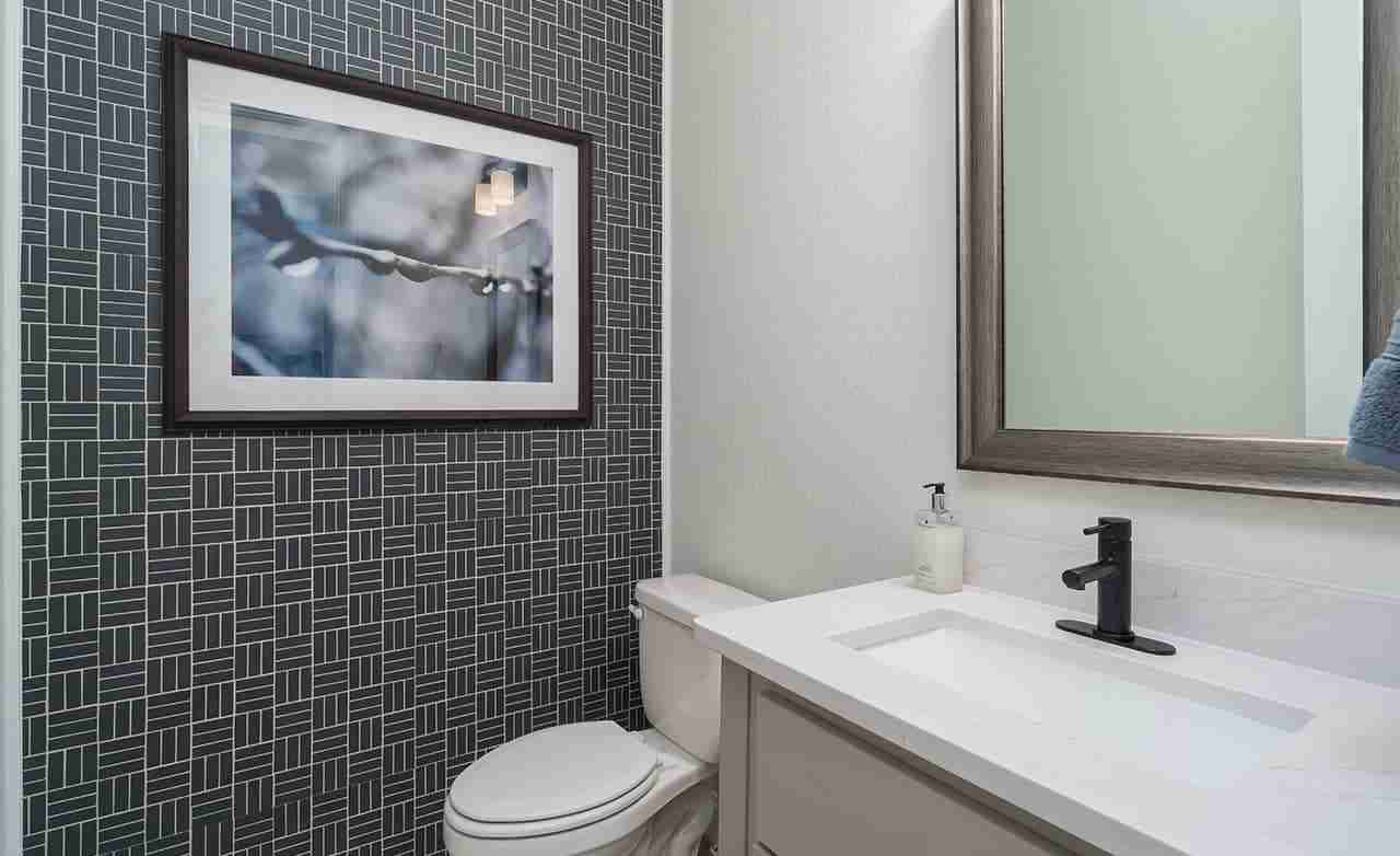 Magnolia – Secondary Bathroom