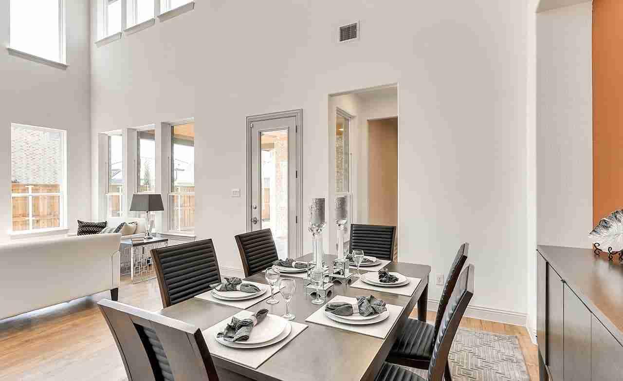 Hemingway – Dining Room