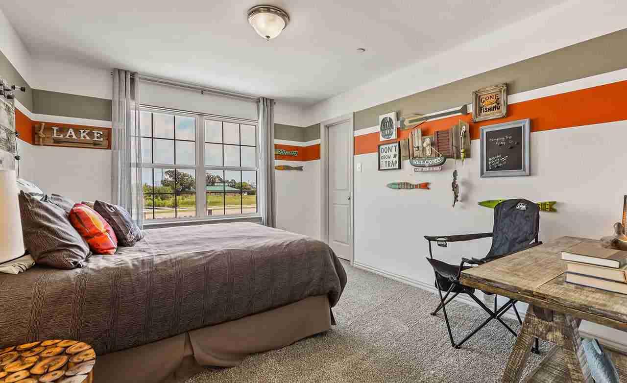 Acadia B – Secondary Bedroom