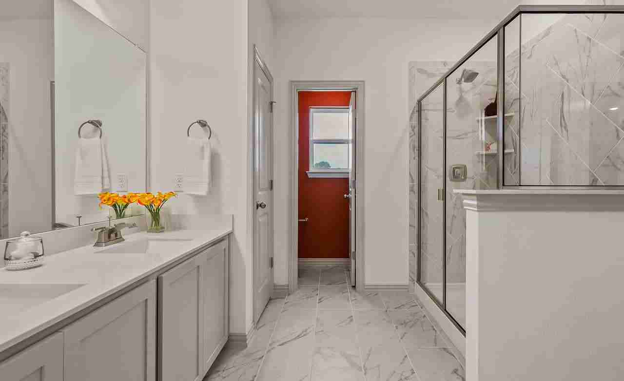 Acadia B – Owner's Bathroom