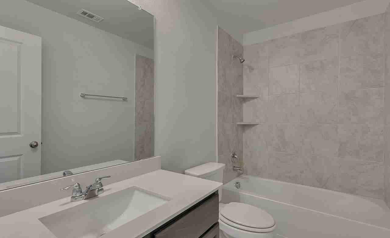 Driskill – Secondary Bathroom