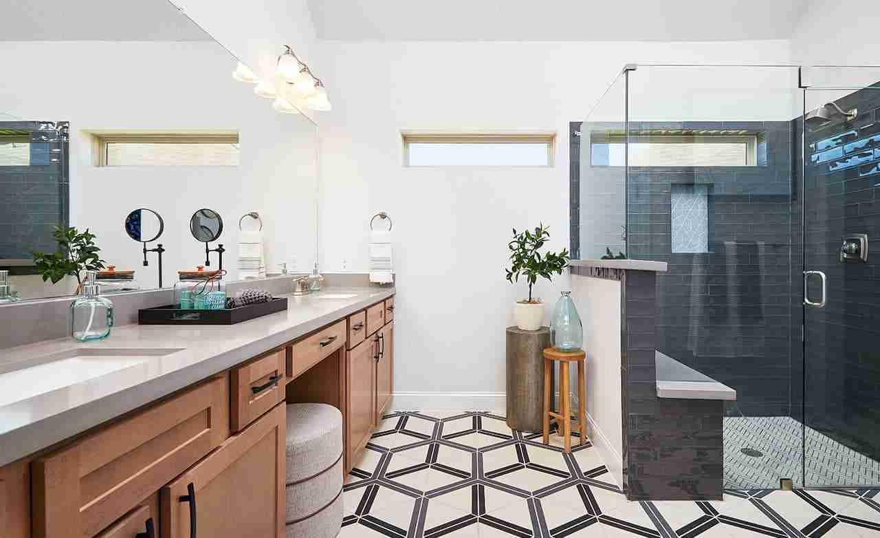 Juniper – Owner's Bathroom