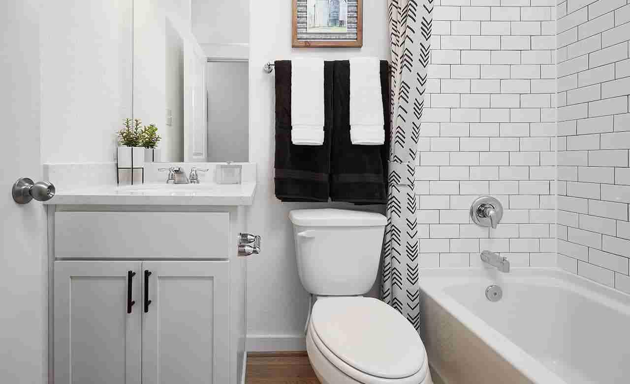 Avalon – Secondary Bathroom