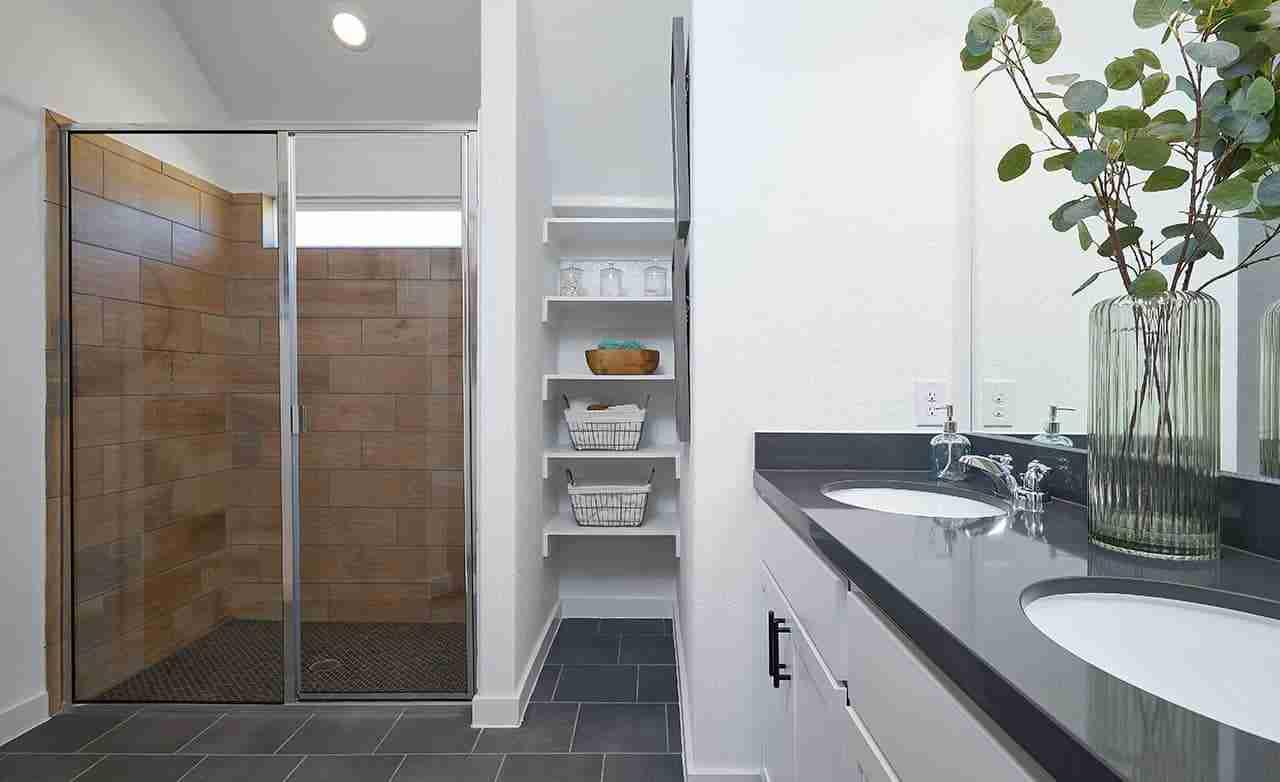 Avalon – Owner's Bathroom