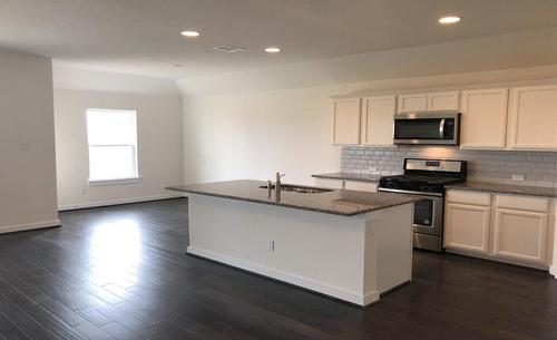 Kitchen-in-Blanton-at-Carmel - Landmark-in-Pflugerville