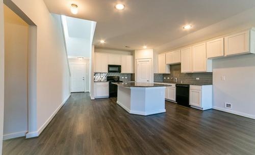 Kitchen-in-Lexington-at-Balmoral - Landmark-in-Humble