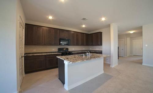 Kitchen-in-Meyerson-at-Balmoral - Landmark-in-Humble