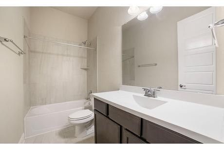 Bathroom-in-Villanova-at-Mason Hills - Classic-in-Leander