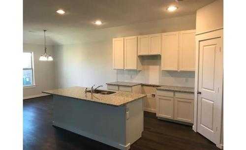 Kitchen-in-Blanton-at-Summer Lakes-in-Rosenberg