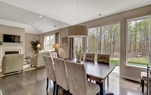 Dining-in-The Aster-at-Stone Hollow at Cornwall-in-Cornwall