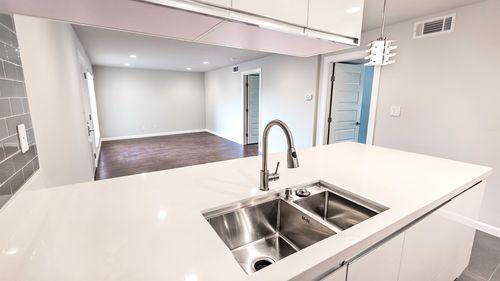 Kitchen-in-2-2 Flat-at-Sterling Crest-in-Austin