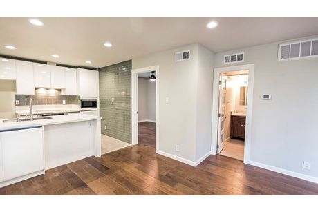 Empty-in-3 Townhome-at-Sterling Crest-in-Austin