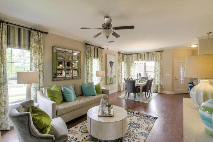Exterior:The Everleigh Living Room