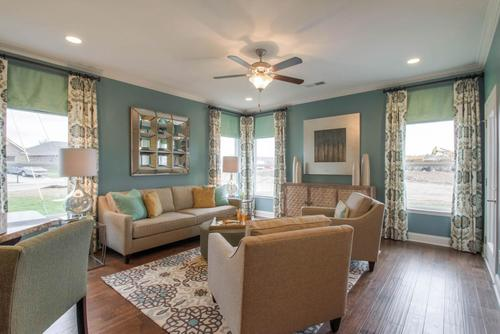 Greatroom-in-The Addison-at-Groves Park-in-Oak Ridge