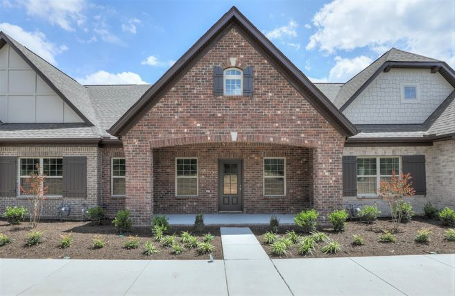 350 Madeira Place Lot 6 (The Waverleigh Courtyard Cottage)