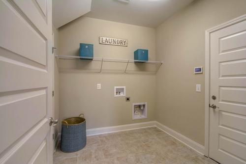 Laundry-in-The Addison-at-Groves Park-in-Oak Ridge