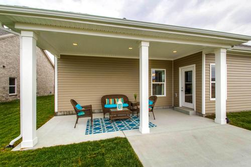 Patio-in-The Addison-at-Groves Park-in-Oak Ridge