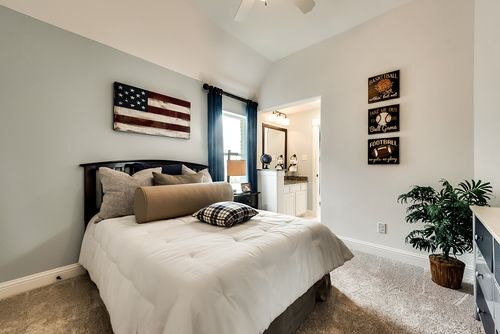 Bedroom-in-Grand Martinique-at-Savannah - Oglethorpe Village-in-Savannah