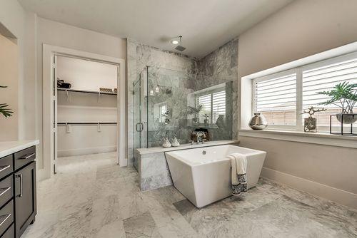 Bathroom-in-Grand Whitestone-at-Kings Crossing-in-Parker