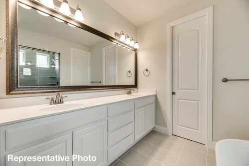 Bathroom-in-Abernathy-at-Savannah - Oglethorpe Village-in-Savannah