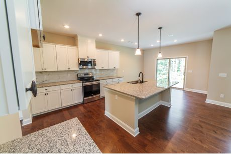 Kitchen-in-Spruce-at-Ivy Park-in-Fortson