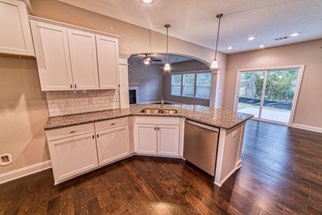 Kitchen-in-Chestnut-at-Wrenwood-in-Columbus