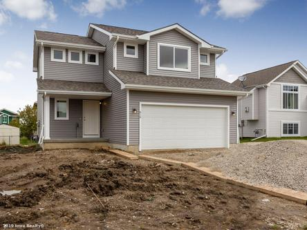 Wolf Creek by Greenland homes INC in Des Moines Iowa