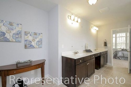 Bathroom-in-Roosevelt-at-Palm Tree Cove II-in-York