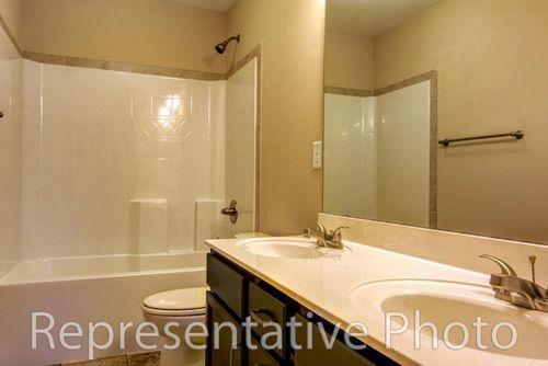 Bathroom-in-Topsail-at-Meadow Ridge-in-Aberdeen