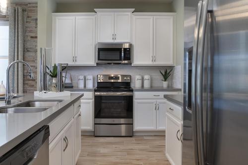 Kitchen-in-Berkshire-at-Pinewood Gardens-in-Saint Cloud