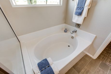 Bathroom-in-Residence 1536-at-Northridge-in-North Las Vegas