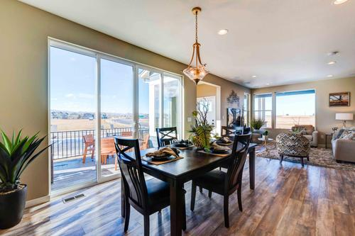 Dining-in-Edison-at-Mosaic Single-Family-in-Fort Collins