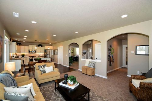 Greatroom-and-Dining-in-Stoneridge-at-Liberty Park-in-Independence