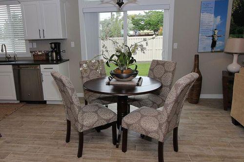 Breakfast-Room-in-Stoneridge Encore-at-Emerald View-in-Redmond