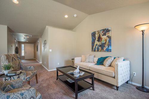 Greatroom-in-Edgewood-at-Megan Park-in-Redmond