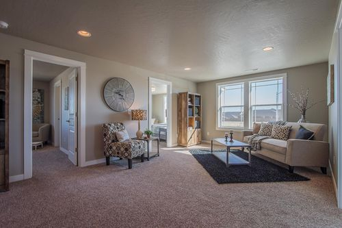 Greatroom-in-Waterbrook-at-Addyson Creek-in-Eugene