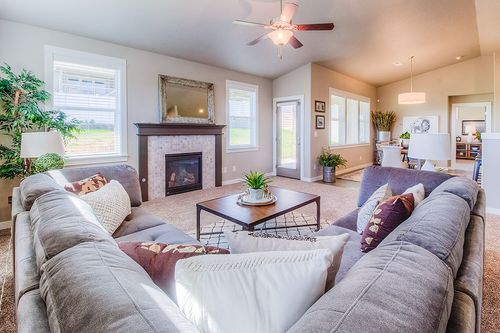 Greatroom-and-Dining-in-Snowbrush-at-Addyson Creek-in-Eugene