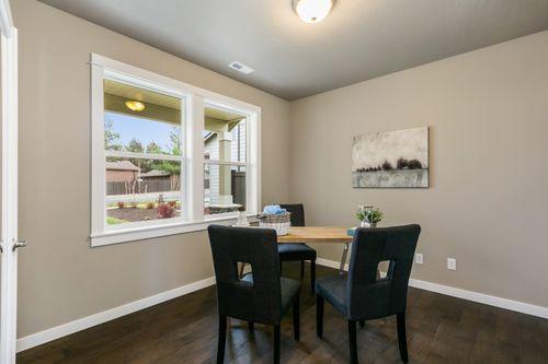 Breakfast-Room-in-Stoneridge Encore-at-Sterling Hills-in-Spokane Valley