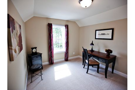 Study-in-Cypress-at-Heritage Pointe-in-Clifton Park