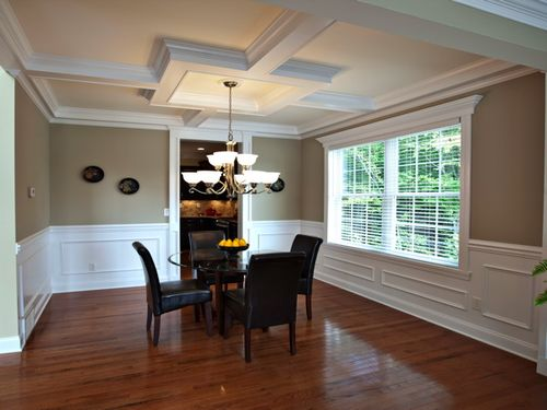 Dining-in-Cypress-at-Heritage Pointe-in-Clifton Park