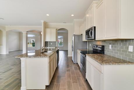 Kitchen-in-Tuscany-at-Cherry Lake Oaks-in-Groveland