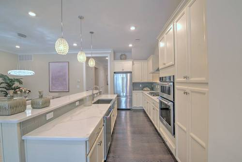 Kitchen-in-Cranbury-at-The Gateway-in-Cranbury