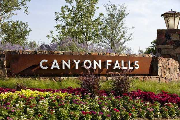 Canyon Falls: Dakota / Juniper,76226